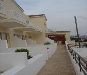 2 bed house Peyia