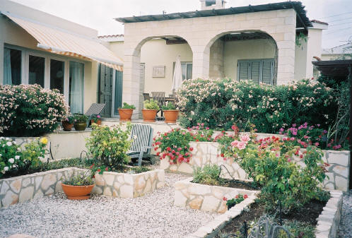 3 Bedroom bungalow for sale in Trimethousa near Paphos in Cyprus